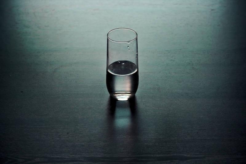 Wasser trinken guter Schlaf