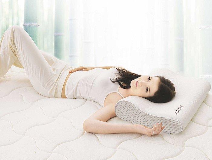 memory foam kissen test 8 1 schaumstoff kopfkissen im vergleich. Black Bedroom Furniture Sets. Home Design Ideas