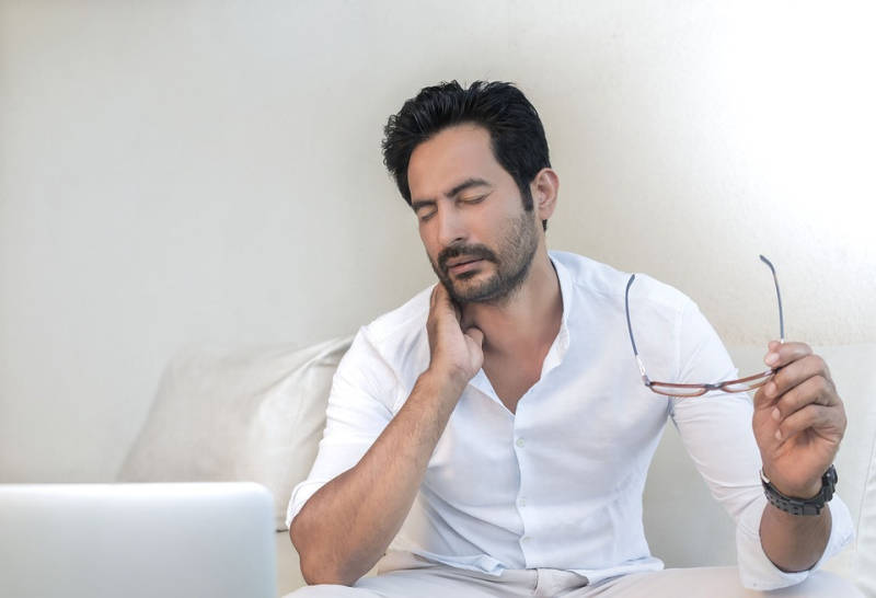 Nackenschmerzen nach dem Schlafen